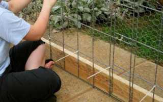 Как натягивать сетку-рабицу на забор: пошаговое описание, рекомендации и отзывы